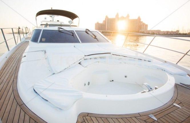 86ft Luxury Yacht Rental-1