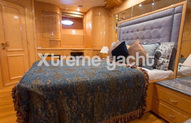 86ft Luxury Yacht Rental-17