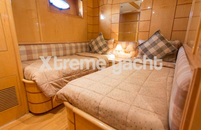 86ft Luxury Yacht Rental-19