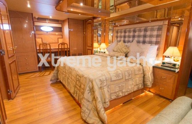 86ft Luxury Yacht Rental-2