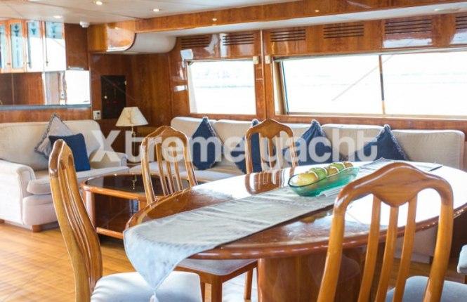 86ft Luxury Yacht Rental-4