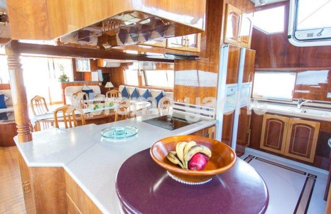 86ft Luxury Yacht Rental-6