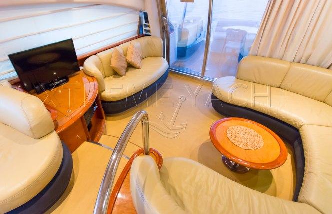 62ft Yacht Rental in Dubai Marina-11