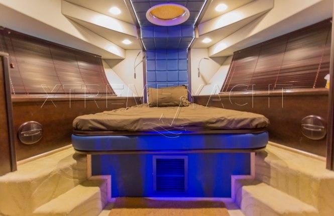 90ft Spacious Yacht Rental-6