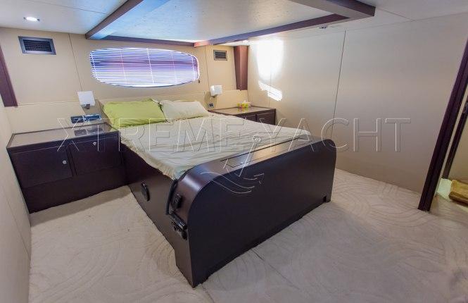 90ft Spacious Yacht Rental-7