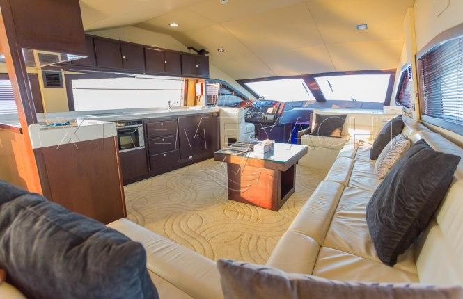 90ft Spacious Yacht Rental-9