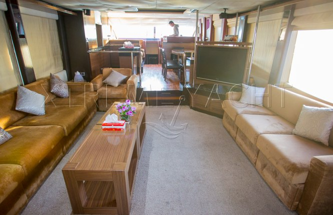 77ft Luxury Super Yacht-10