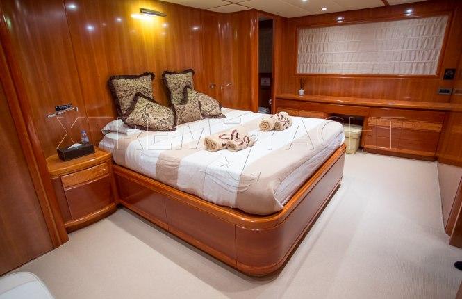 90ft Luxury SuperYacht-9