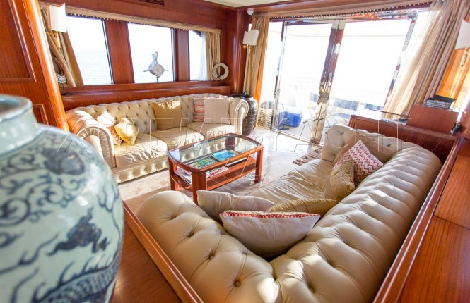 80ft Beautiful Yacht Rental-10
