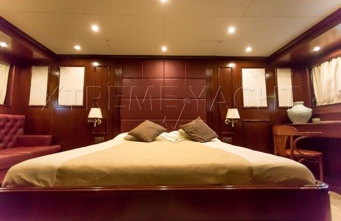 80ft Beautiful Yacht Rental-14