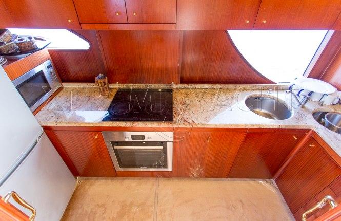 80ft Beautiful Yacht Rental-12