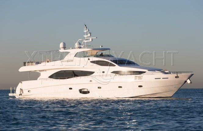 101ft Luxury Superyacht-1
