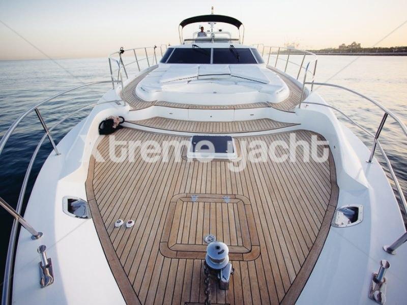 86ft Luxury Yacht Rental-11
