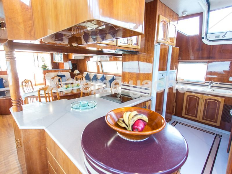 86ft Luxury Yacht Rental-5