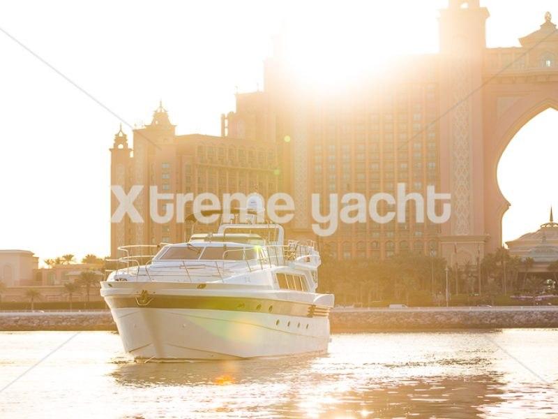 86ft Luxury Yacht Rental-8