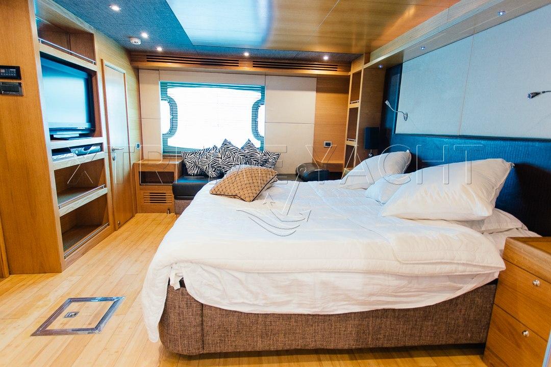 85ft Super Luxury Yacht-10