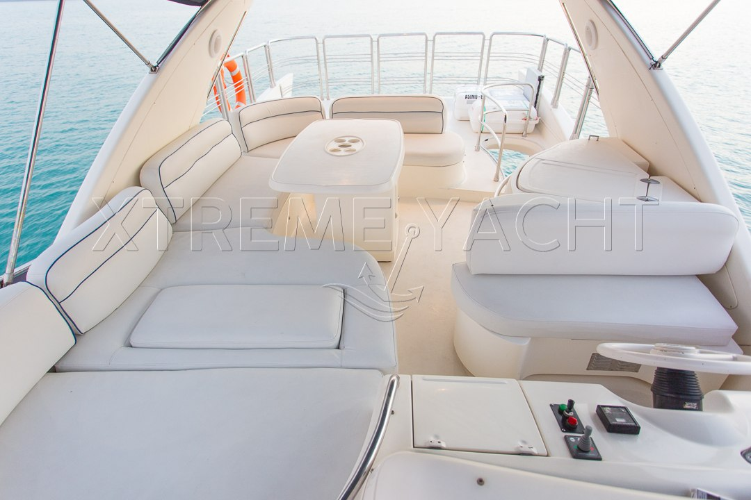 62ft Yacht Rental in Dubai Marina-3