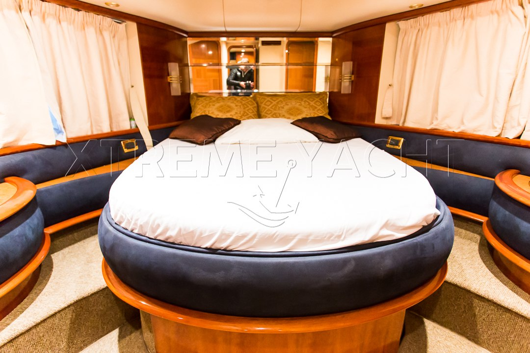 62ft Yacht Rental in Dubai Marina-7