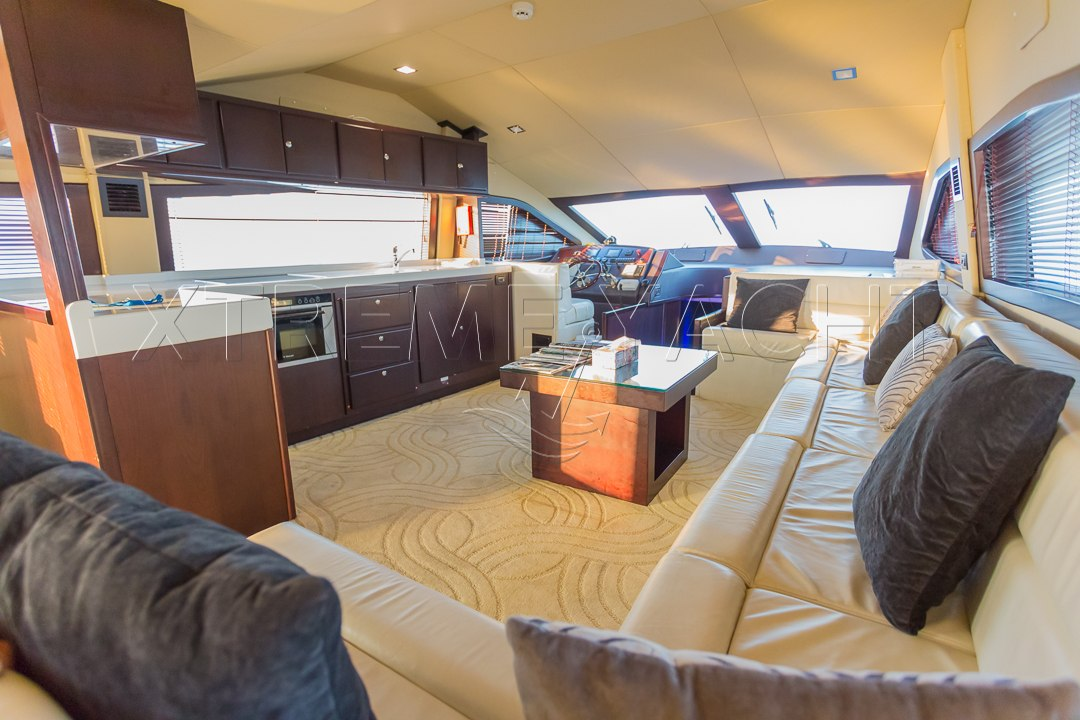 90ft Spacious Yacht Rental-8