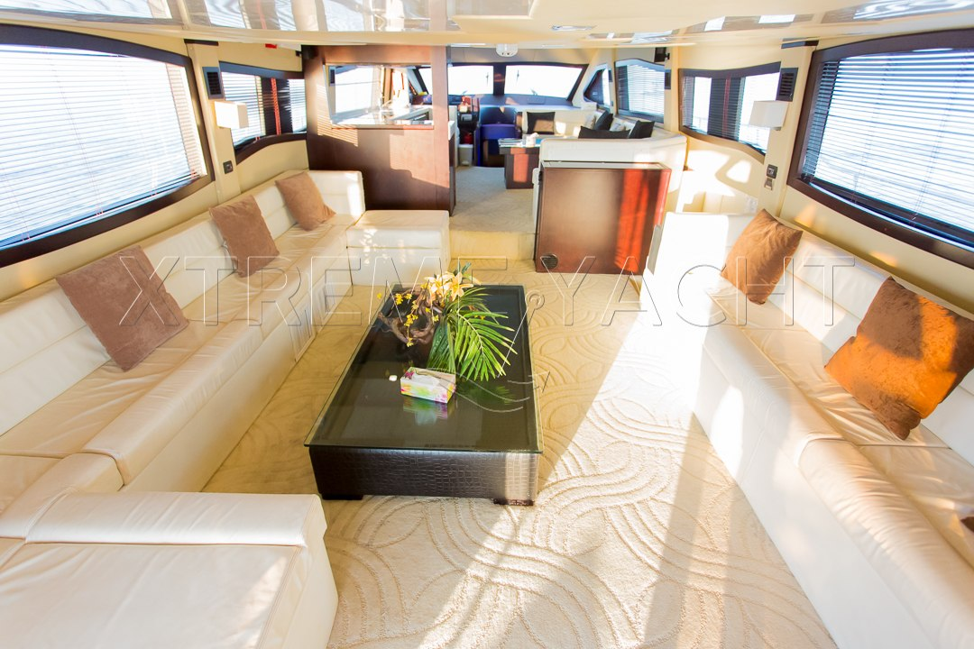 90ft Spacious Yacht Rental-9