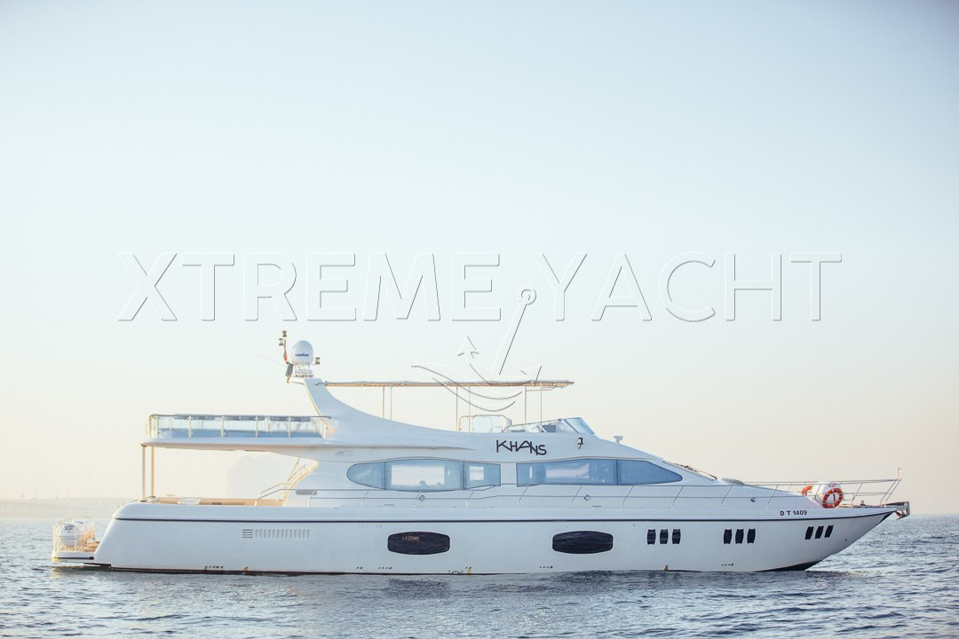 90ft Spacious Yacht Rental-0