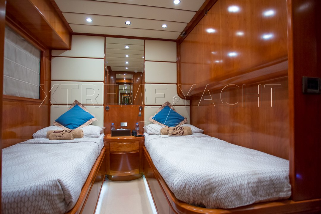 90ft Luxury SuperYacht-10