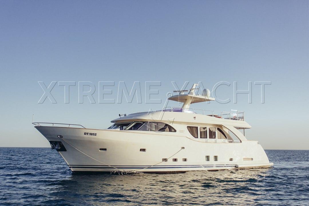 80ft Beautiful Yacht Rental-0