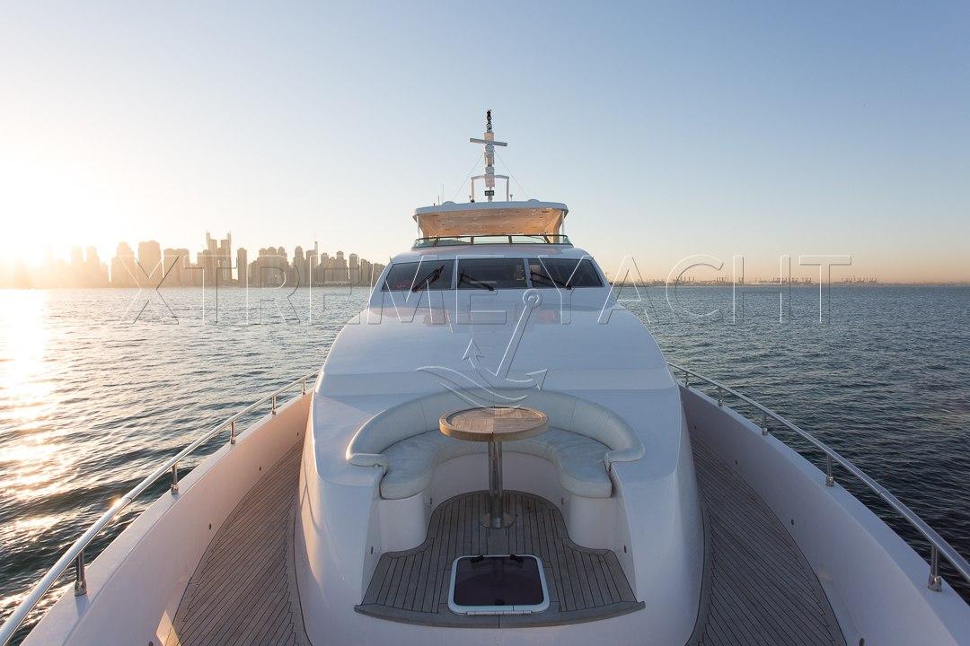 101ft Luxury Superyacht-10