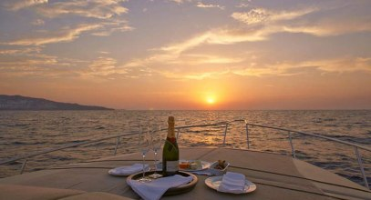 Have a Romantic Sunset Cruise in Dubai