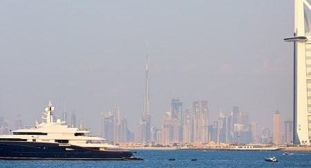 Sightseeing in Dubai on a Yacht